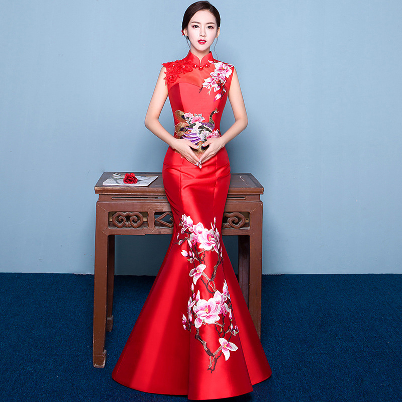Sexy Asian style Sleeveless Red Embroidery Bride Wedding Qipao Mermaid Dress Long Cheongsam Chinese Traditional Backless