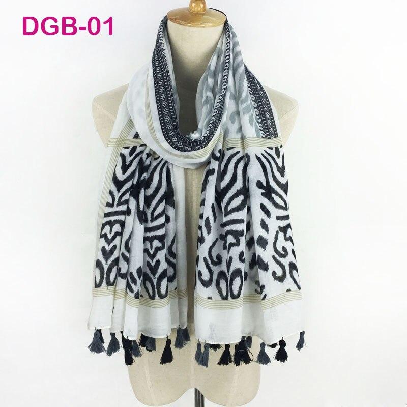 7f4552cf36f Alta calidad nuevo diseño moda mujer Bandana lindo floral impresión algodón  bufanda larga Mantones y envolturas flor foulard