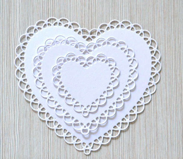 Lace Heart Craft Die Metal Stencil Embossing Cutting Dies Stamps 3D DIY Scrapbooking Craft Photo Frame Invitation Cards Decor