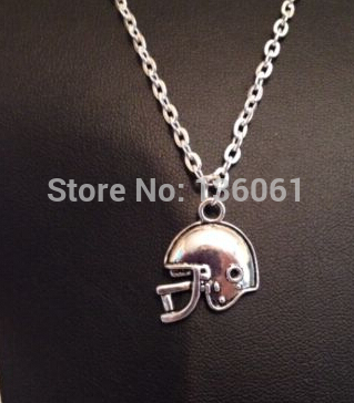 Vintage Silver Football Helmet Necklace Charms Choker Chain Necklace Pendants For Women Jewelry Gifts Accessories Hot Q429