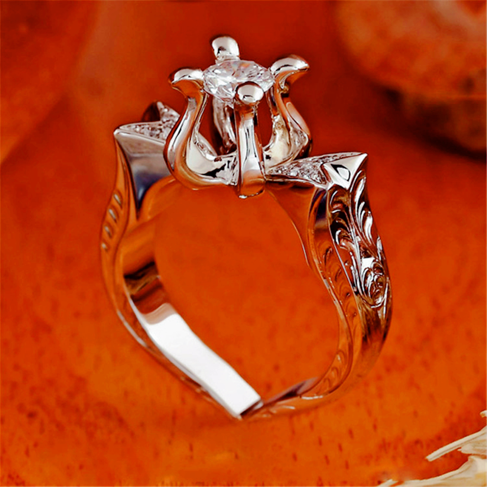 Fashion luxury men's and women's new creative rose gold inlaid zircon flame lotus shape ring.Suitable for party weddings.(China)