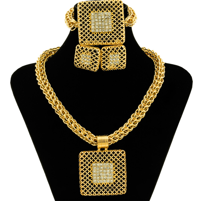 Hot Fashion Dubai Jewelry Advanced Alloy Necklace Set Stainless Steel Jewelry Trend Thick Chain Design Women Ornament Sets
