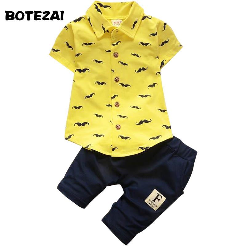 Комплекты летней одежды для маленьких мальчиков Для мальчиков ясельного возраста Костюмы короткий рукав Футболка + брюки костюм Лето 2017 г. детей Костюмы комплект