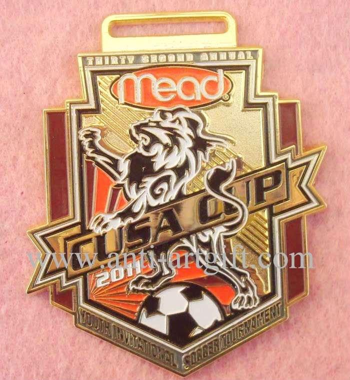 Сувенирные значки маленькие футбольные медали имитация, жесткие, покрытые эмалью clup значок