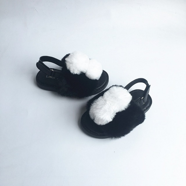 New Baby Sandals Rabbit hair White Pom Pom Girls Sandals Upscale Party Baby shoes Children Sandals