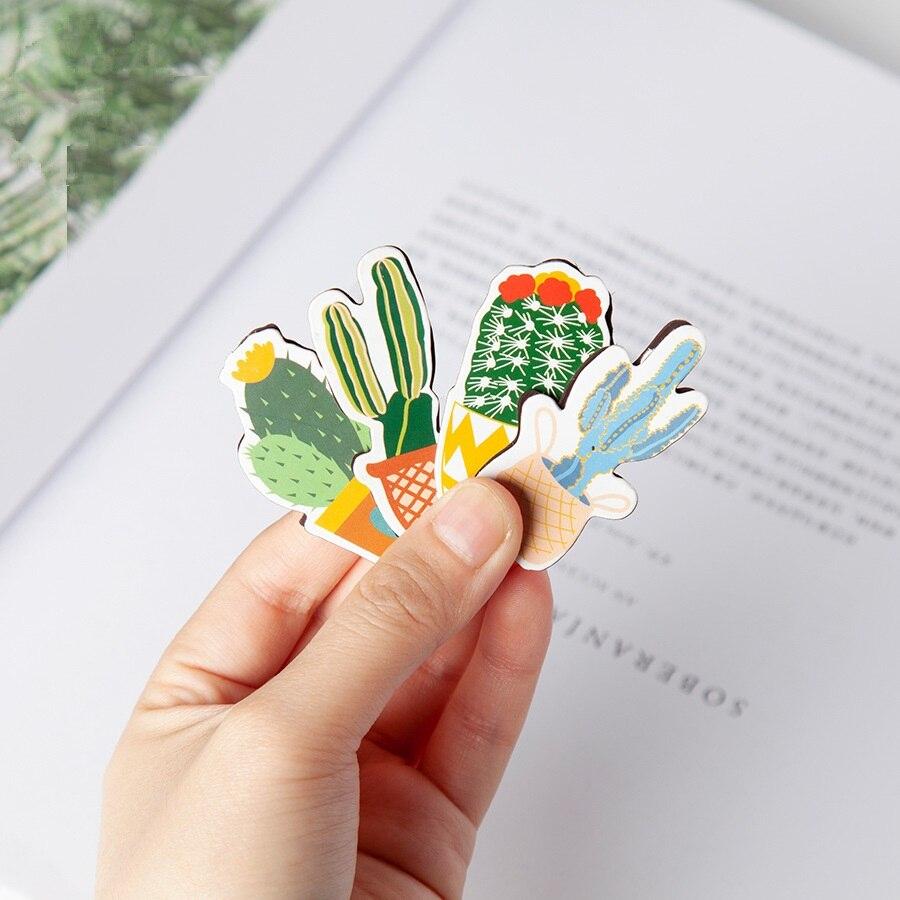 Купить с кэшбэком 4 pcs Cartoon Cactus magnet bookmarks Mini magnetic clips book marker Stationery Office book accessories School supplies F163