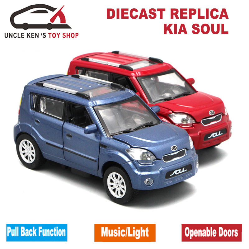 Купить с кэшбэком Diecast Kia Soul Scale Model Car, Kids Metal Brand Toys Collection Gift With Openable Door/Pull Back Function/Music/Light