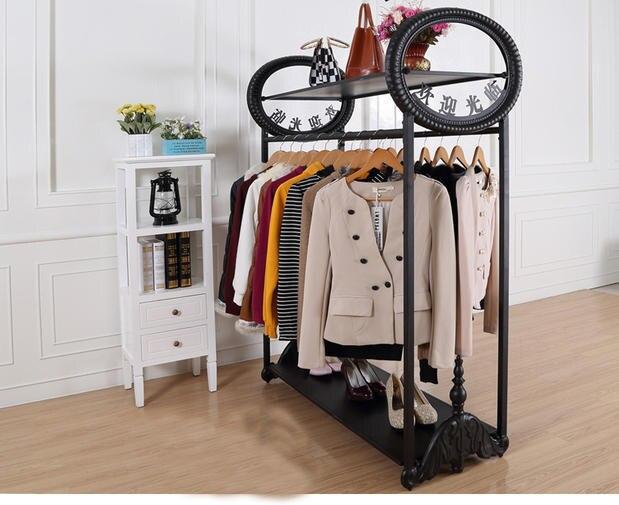 De gama alta tienda de ropa estante de exhibición de piso doble ...