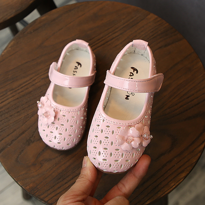 Hollow Flower Toddler Girl Shoes For Baby Girl Leather Shoes Anti Slip Soft Crib Shoes Leather Sneakers Size 6m 8m 1 2 3 Years
