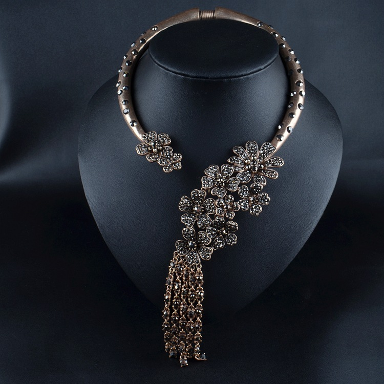 2015 New Design Luxury Brand Mixed Crystal Flower ...