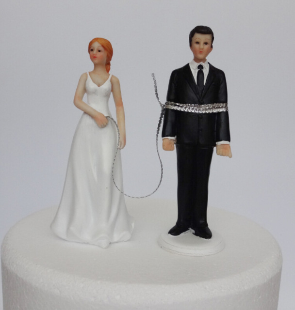 New Wedding Cake Topper Decoration Souvenirs Gift Funny Escaping Kidnap Bride And Groom