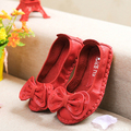 Дети обувь девочек обувь без каблука 2015 высокое качество телячья кожа детская обувь для девочек мило боути мягкой подошвой принцесса девочек квартиры