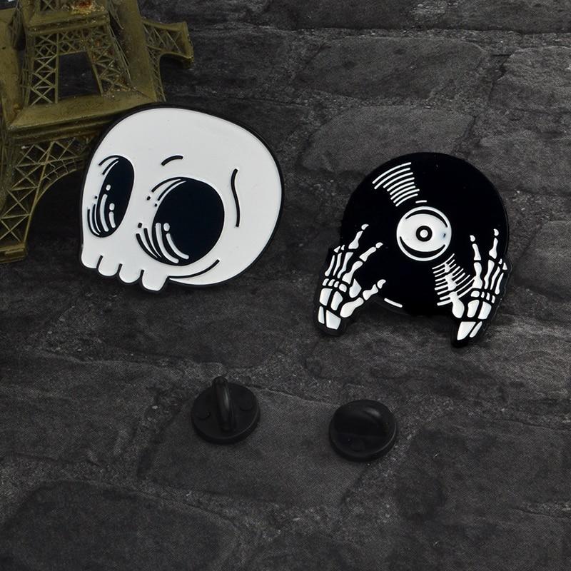 QIHE-SIERADEN-Skelet-pin-Schedel-pin-Vampire-broches-Badges-Halloween-sieraden-Goth-Punk-Dark-Black-Pins(1)