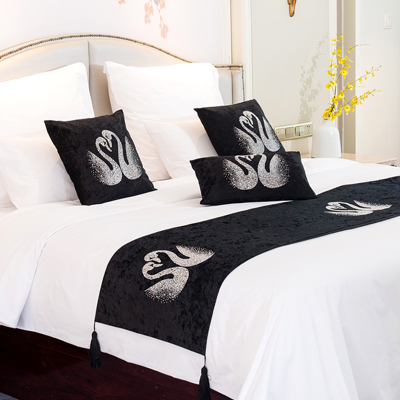 Fashion High Quality Velvet Bed Flag Swan Hot Drilling Hotel Cupboard Table Runner Decor For Home Parlor Placemat Pillowcase