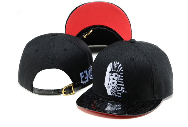 2018 Egyptian Pharaoh Snapback Hats Last King LK Baseball Caps Gorras  sports hip hop hat 3b28bf62357