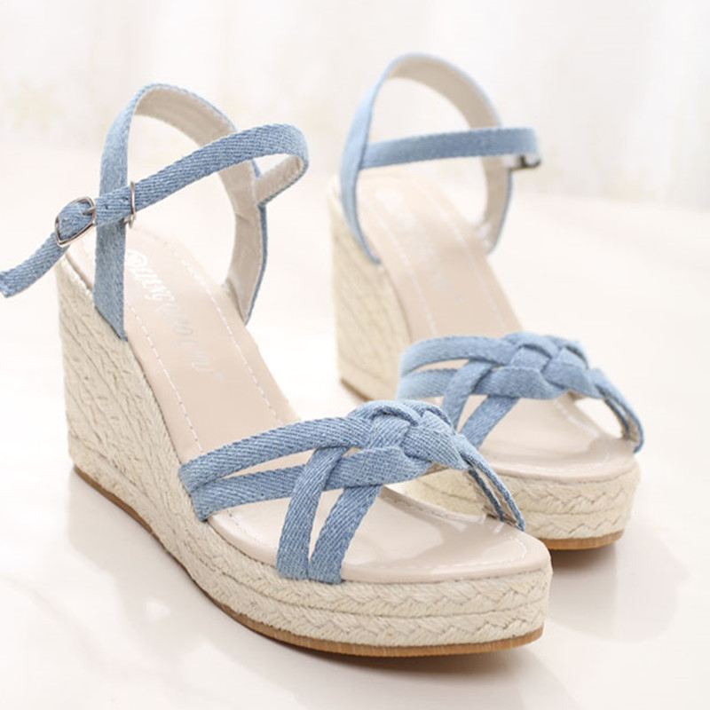 Damenmode Sommer Strohflechten Band Offene Spitze Keil Sandalen Mädchen Süße Höhe Zunehmende Hohe Ferse Denim Schuh Jeans Sandale Schuhe Frauen Schuhe