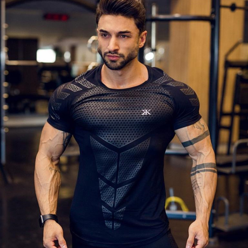 2019 GYM Sport Running Men T Shirt Fitness Slim High Elasticity Breathable Quick Dry Bodybuilding Tight Mens Tshirt Men Tee Tops