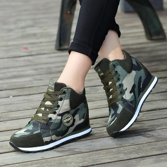 Fooraabo 2018 Female Casual Shoes Autumn Winter New Brand Fashion High-top  Camouflage Women Shoes 705c60eae498