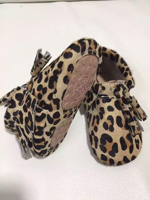 New Top Quality leopard Couro Genuíno sapatos Mocassins Borla Bebê meninas vestir sapatos Recém-nascidos Do Bebê Primeiro Walker sapatos de sola dura