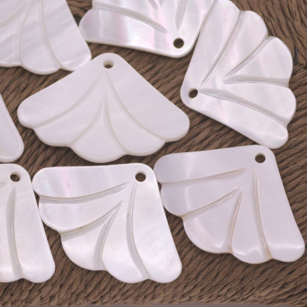 Купить с кэшбэком 10 PCS 25X35mm Fan Flower Shell White Mother of Pearl Top Hole Loose Beads