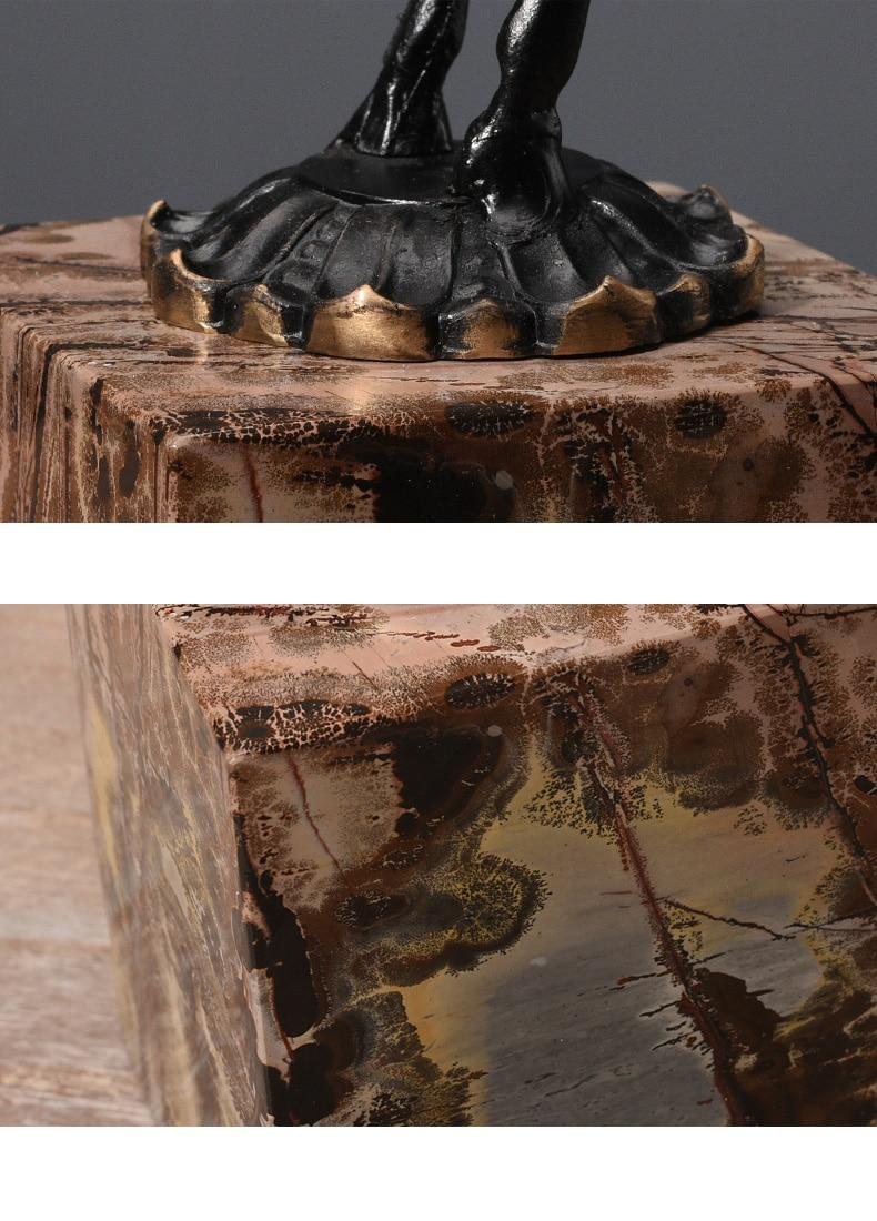 Black Running Paard Standbeeld Black Metal Art Craft Marmer Base Postmoderne Wijnkast Ornamenten Decoratie Sculptuur Thuis Gift - 5