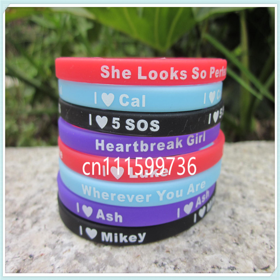 US $4 99 |8PCS/Set 5 Seconds Of Summer Skinny Silicon Bracelet, I Love 5  SOS Wristband With Name: Luke, Mikey, Cal, Ash-in Bangles from Jewelry &