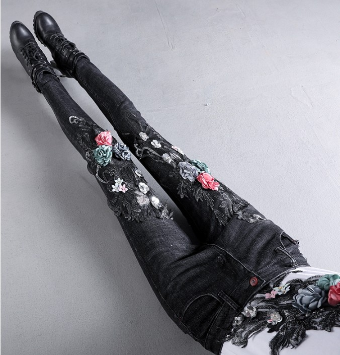 2019 New Women's Skinny Jeans Pants Spring And Autumn Students Flowers Embroidery Black Pencil Pants Tight Denim Trousers