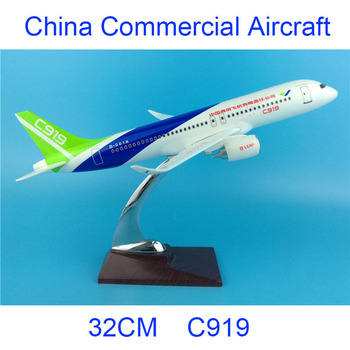 32CM 1:200 COMAC C919 Model Metal Alloy Air China Airlines with Base Airbus Plastic Aircraft Plane Collectible Decoration Model