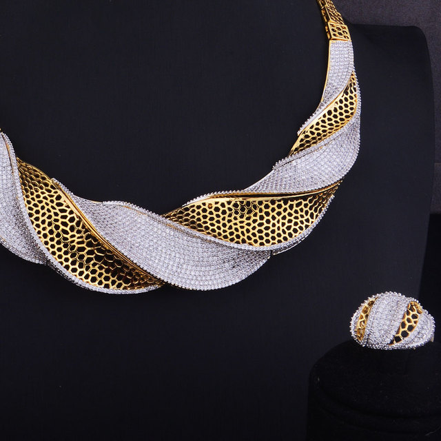 Luxury Twist Necklace Set  3
