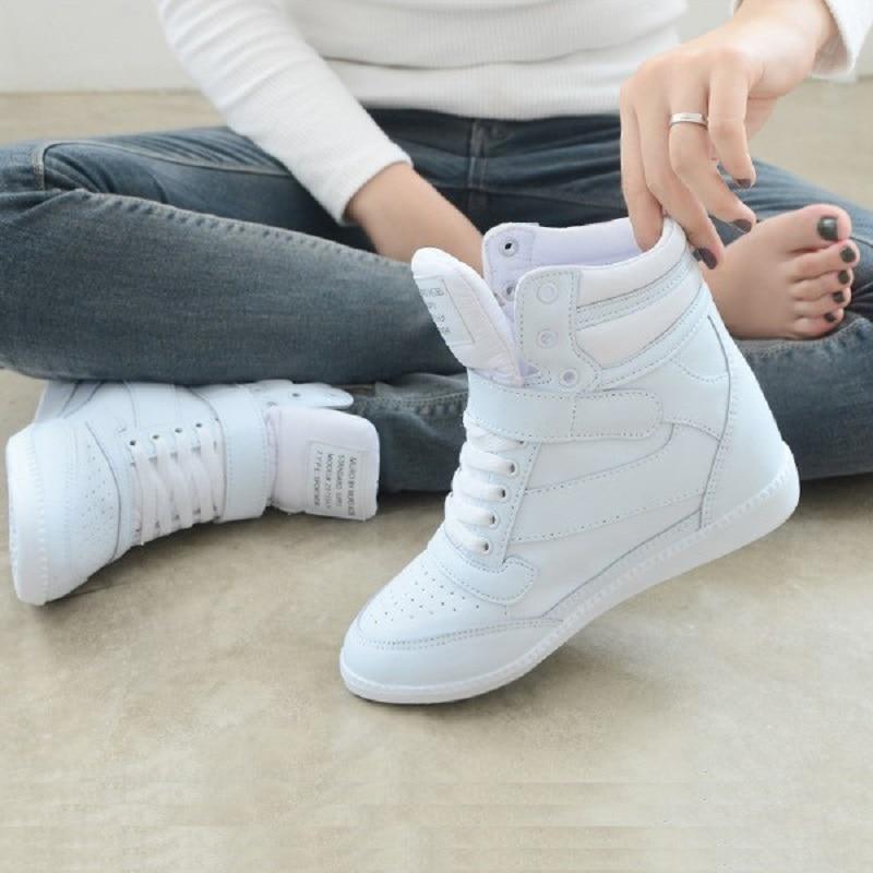 Женские кроссовки; коллекция 2018 года; женская повседневная обувь; кроссовки на скрытой платформе, визуально увеличивающие рост; дышащая кожаная обувь; высокие белые кроссовки