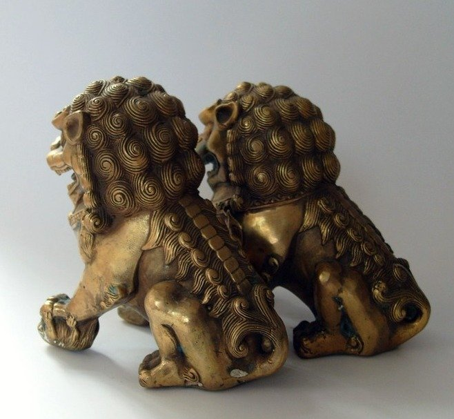 Rare Old Pair Qing Dynasty copper  lion Statue/ Sculpture,best collection&adornment,free shippingRare Old Pair Qing Dynasty copper  lion Statue/ Sculpture,best collection&adornment,free shipping