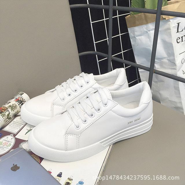Nueva primavera talón plano plataforma lace up de cuero blanco zapatos de las mujeres ocasionales