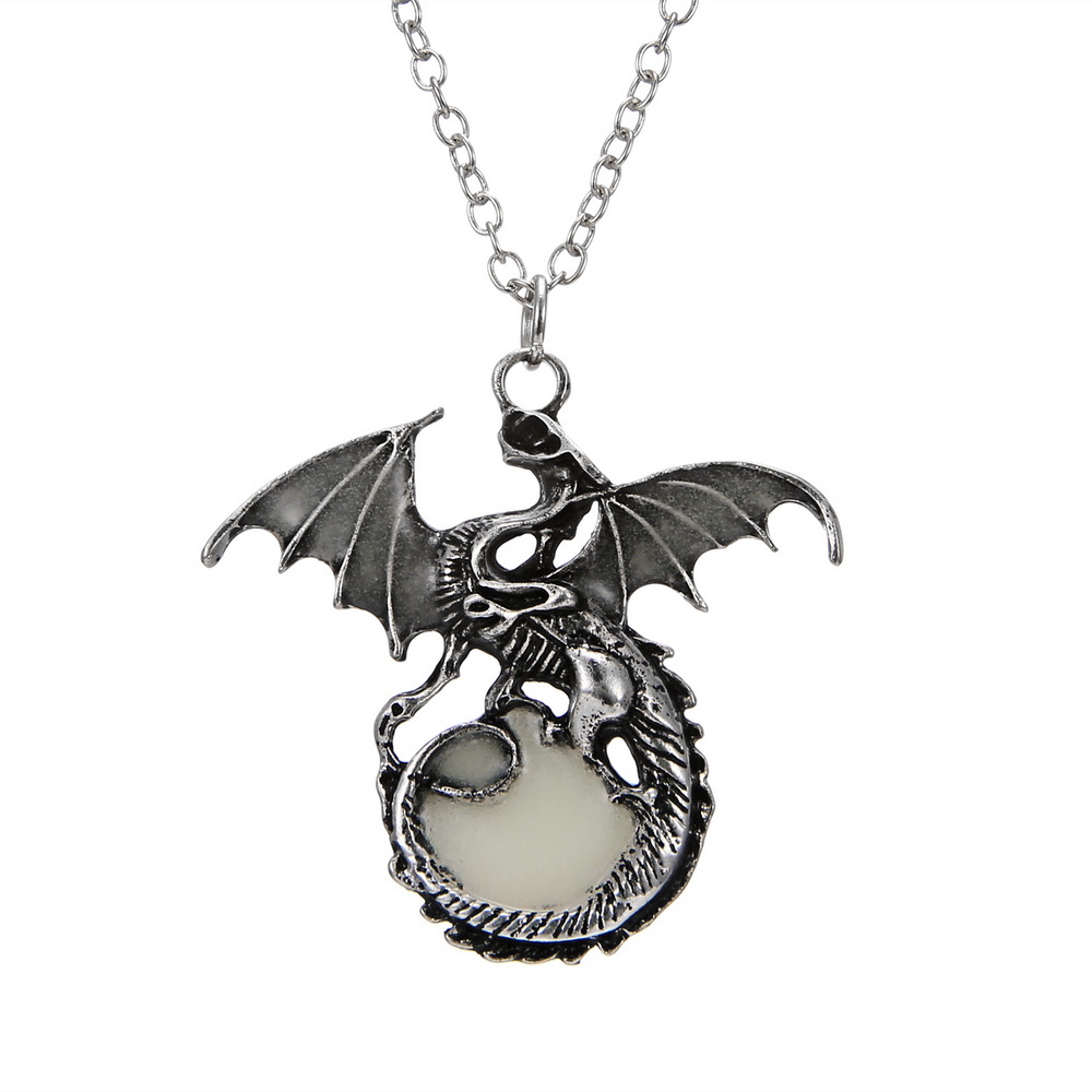 Game of Throne Jewelry Glow In The Dark Necklace Punk Dragon Necklaces For Woman Man Pendants Fluorescence Accessories Vintage 11