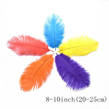 wholesale 100Pcs/lot 20-25CM colored Ostrich Feathers For Crafts white plume DIY wedding feathers home party feather decoration ostrich feather 10 25cm white pink feathers for bracelet ring jewelry lipstick cosmetic ins photography background accessories