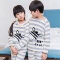 Pijamas das crianças Conjunto Ocasional Meninos Pijamas Crianças Outono Inverno Engrossar Pijama De Flanela Do Bebê Dos Desenhos Animados Meninas Pijama Pijama Garcon