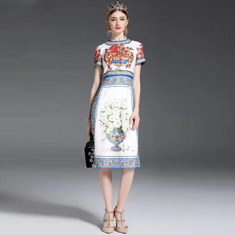 Wysoka jakość nowy 2017 Fashion Designer Runway letni strój kobiet sukienka z krótkim rękawem Floral wydrukowano na co dzień w połowie łydki suknie w Suknie od Odzież damska na  Grupa 1