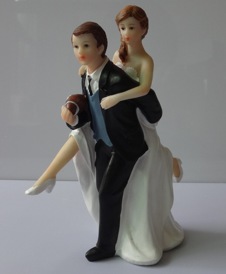 """Free Shipping """"Love Match"""" Football/Rugby Wedding Cake Topper Bride & Groom Resin Cake Topper Decoration"""