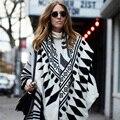 2015New Llegada Luxry Marca Espesar Vintage Geométrica za Invierno Bufanda Étnica Robó Pañuelo Para Mujer Moda Ponchos Y capas
