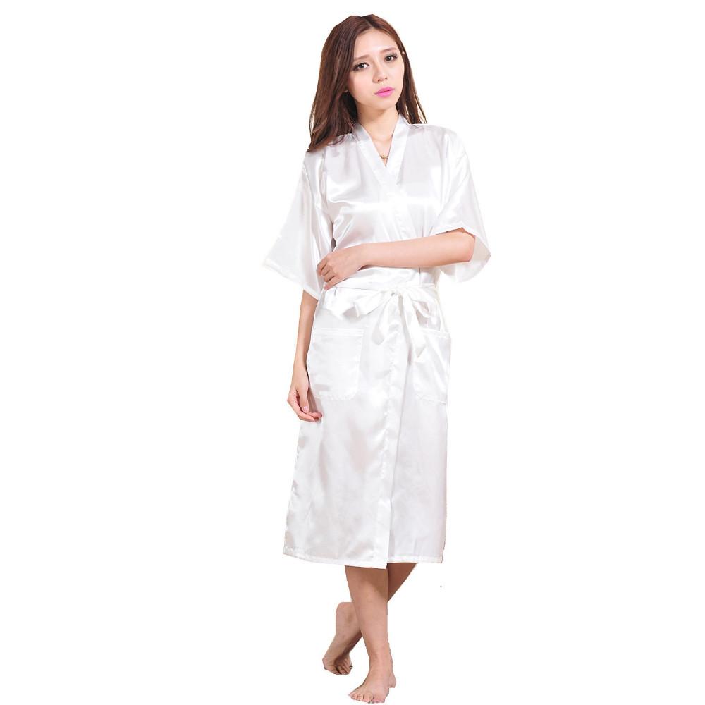 e05c2ac1c novas Mulheres Vestes de Cetim Quimono Das Damas de honra Noiva Robe Longo  Kimono Robe Roupão Manto Sólido Presente Nupcial Do Partido