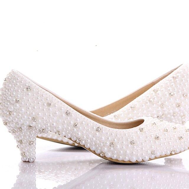 pretty nice bddc0 04c15 2018-Miglior-bianco-perla-tacchi-Bassi-scarpe-Abitudine-fare-piccolo-tacco- scarpe-da-sposa-Celebrit-di.jpg 640x640.jpg