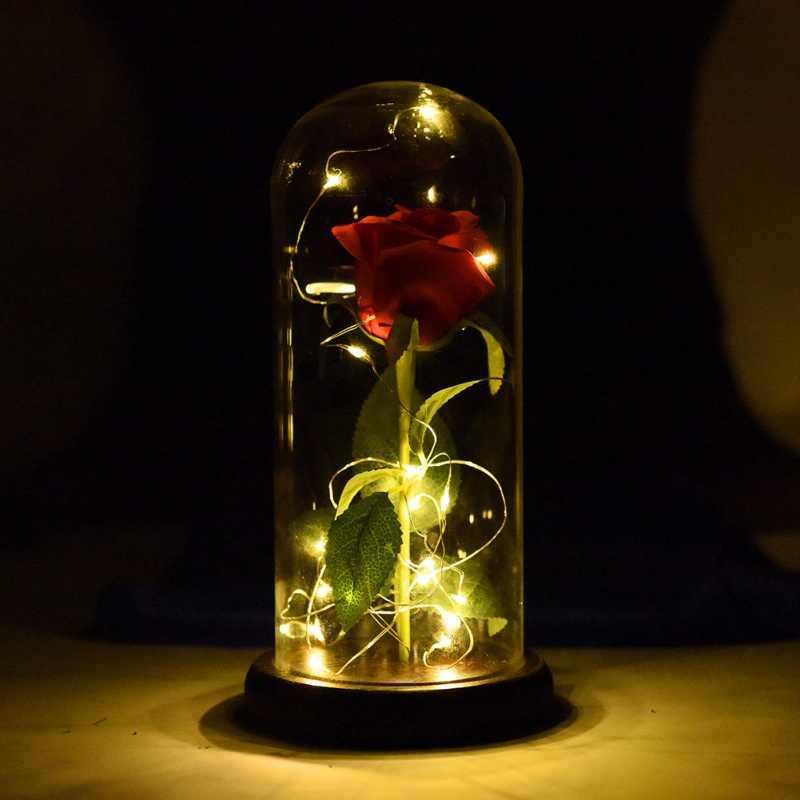 WR هدية عيد ميلاد الجمال والوحش وردة حمراء ث/بتلات ساقطة في قبة زجاجية على قاعدة خشبية لهدايا عيد الميلاد عيد الحب