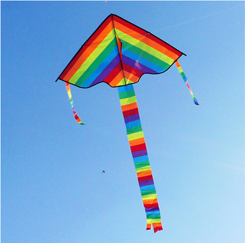 Купить с кэшбэком Free Shipping high quality rainbow kite 100pcs/lot with flying tools Outdoor Fun Sports kite Factory Child Triangle Color Kite