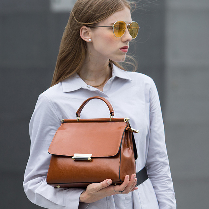 2019 Spring Famous Brand Design Womens Flap Bag Genuine Leather Ladies Hanbag with Cover, Vintage Elegant Female Crossbody Bag2019 Spring Famous Brand Design Womens Flap Bag Genuine Leather Ladies Hanbag with Cover, Vintage Elegant Female Crossbody Bag