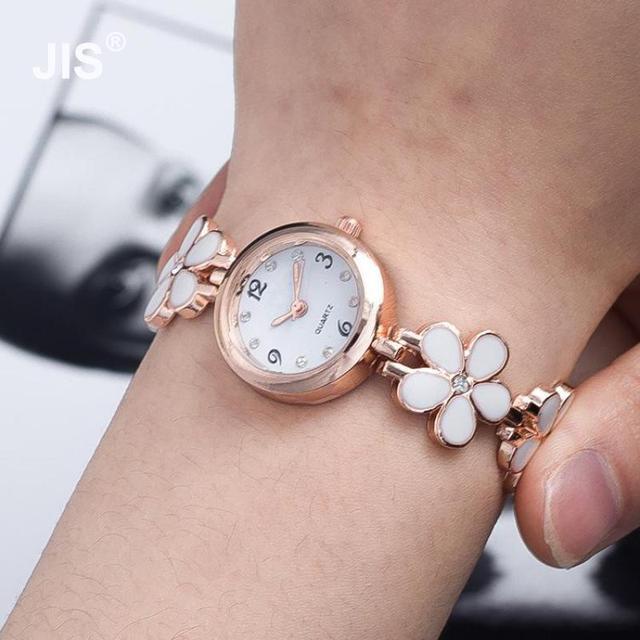 Hot Flor de Diamante de Cristal Preto Branco Rosa Quente Pulseira de Relógio  de Pulso de 5fd64f045a