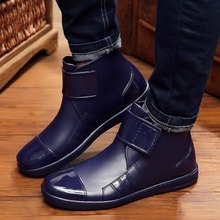 Корейской версии непромокаемые сапоги мужские полусапоги обувь 2017 модные ПВХ Липучка сплошной черный синий обувь водонепроницаемый мужской ботинок