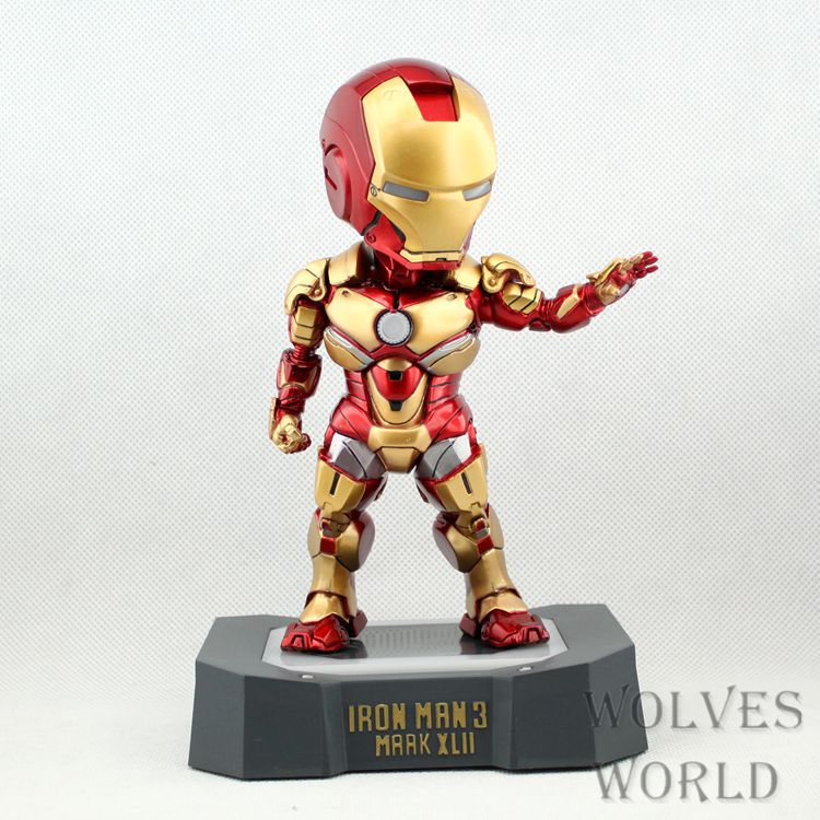 SAINTGI Marvel Avengers Assemble Iron Man Mark42 Q with light Doll Super Heroes PVC 16CM Action Figure Collection Model Toys