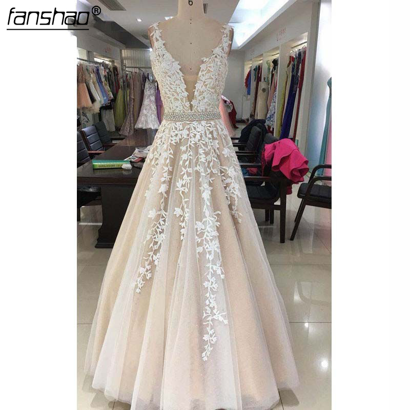 Romantic Champagne Wedding Dresses With Appliques Pearls Double V-Neck Sweep Train Bridal Gown Vestido De Noiva