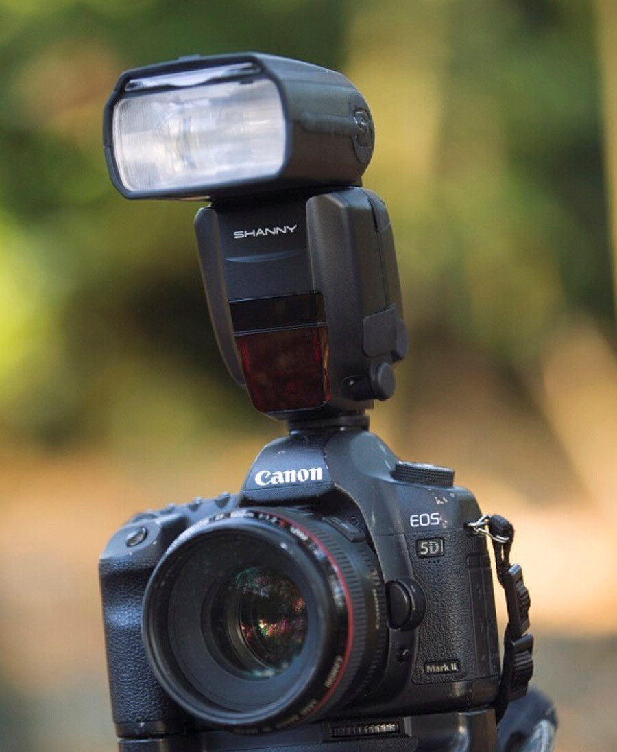 службу анонсы фотокамер фотовспышек каждой