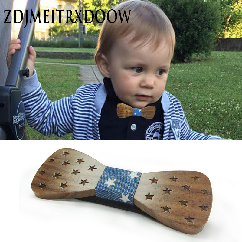 2017 merkevare Children Wooden Bow Slips For Baby Boy Klær Tilbehør Solid Color Bowknot Dot Utskrift Kids Wood BowTie