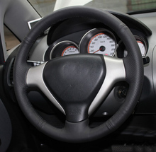 цена Free Shipping High Quality cowhide Top Layer Leather handmade Sewing Steering wheel covers protect For Honda City/Fit/Jazz в интернет-магазинах